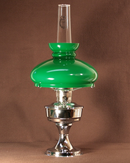 Aladdin Table Lamp, Messing verchromt mit grünem Vestaschirm