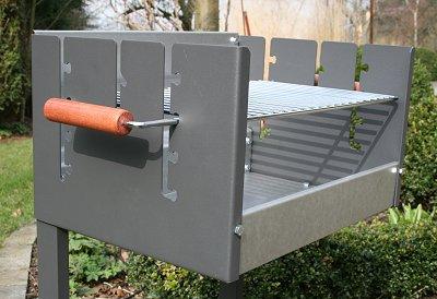 grill mit 2 rosten kleinster mobiler gasgrill. Black Bedroom Furniture Sets. Home Design Ideas
